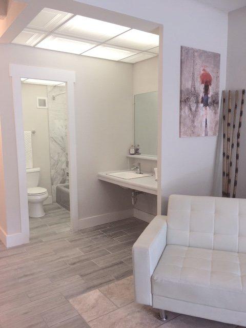 The Nikki: Studio Full Bath